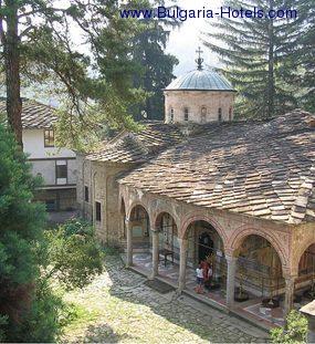 Day 2d / Sunday / Sofia – Troyan monastery – Veliko Tarnovo